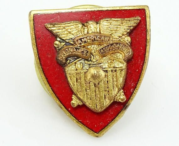 Great army collectible pin. #thetiechest  #vintagejewelry