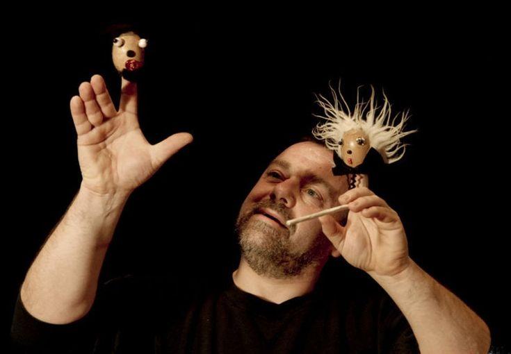 Carnevale con i burattini e le marionette di Vittorio Zanella al Teatro dei Piccoli della Mostra d'Oltremare di Napoli. Sabato 10 e domenica 11 febbraio