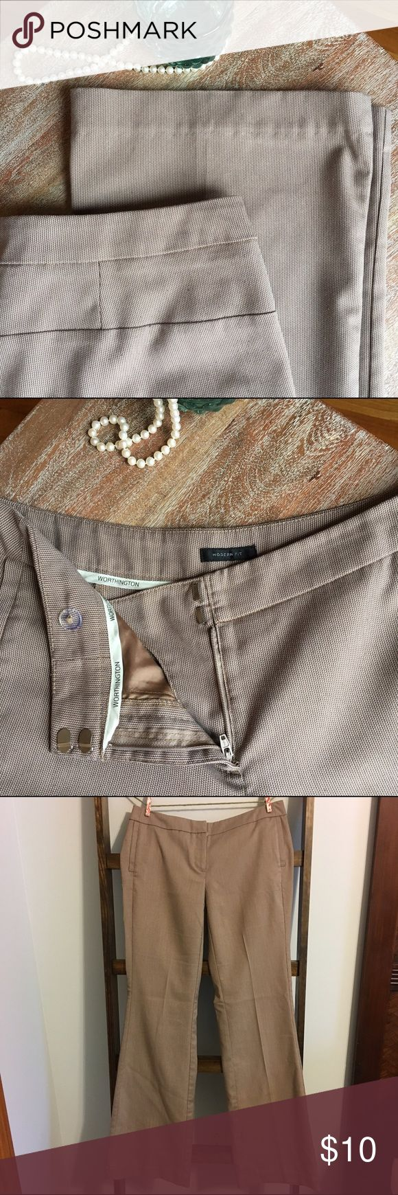 Worthington tan slacks I love these pants but they do not fit me anymore. Worthington brand, size 4. Nailhead pattern, tan and white. Leg openings flare out. Nice pants for the office. Worn a few times but in good condition still. Slight pilling on the rear from sitting in an office chair but not very noticeable (last photo). Worthington Pants Trousers