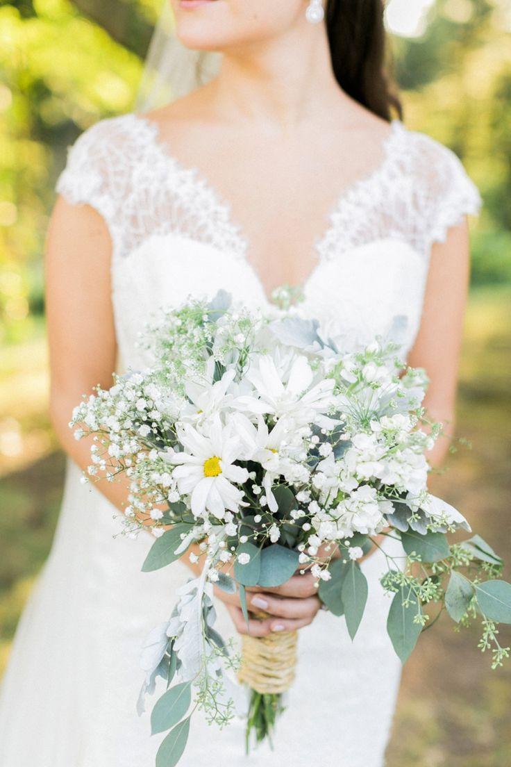 A Tuscan Inspired Connecticut Wedding via TheELD.com | Alexis June Weddings