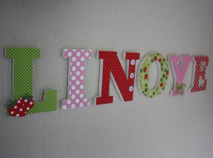 lettres en bois th me fraise rose et rouge naissance anniversaire chambre d 39 enfant decoration. Black Bedroom Furniture Sets. Home Design Ideas