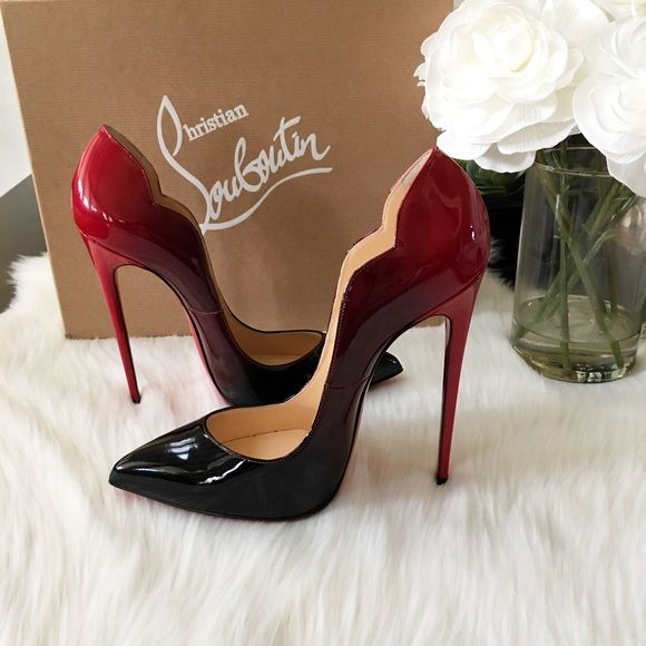 ⭐️NEW⭐️Christian Louboutin Hot chick 130 ombre So excited about these ! Just got them in the mail and couldnt resist to share !! just sharing these beauties with you ! Now excited got my right size ! Im 40 in hot chicks. This ombre is sold out ! Glad I wa