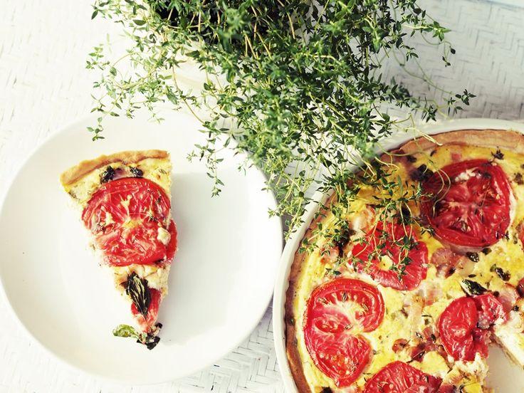 TARTA z boczkiem i pomidorami