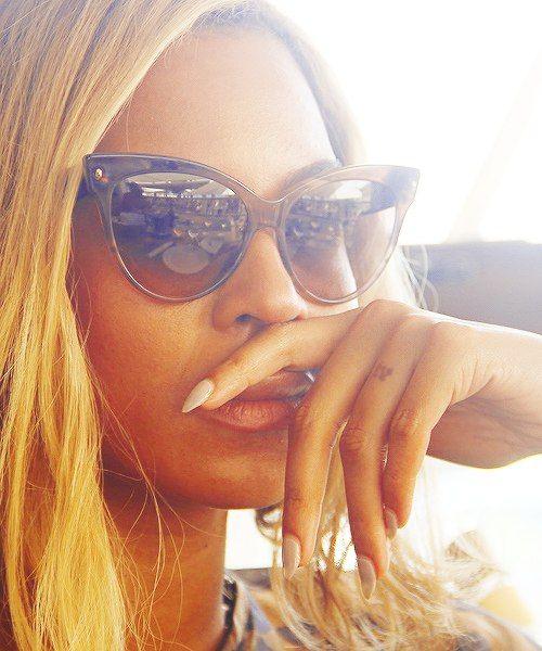 Beyonce rocking these Cat Eye Sunglasses