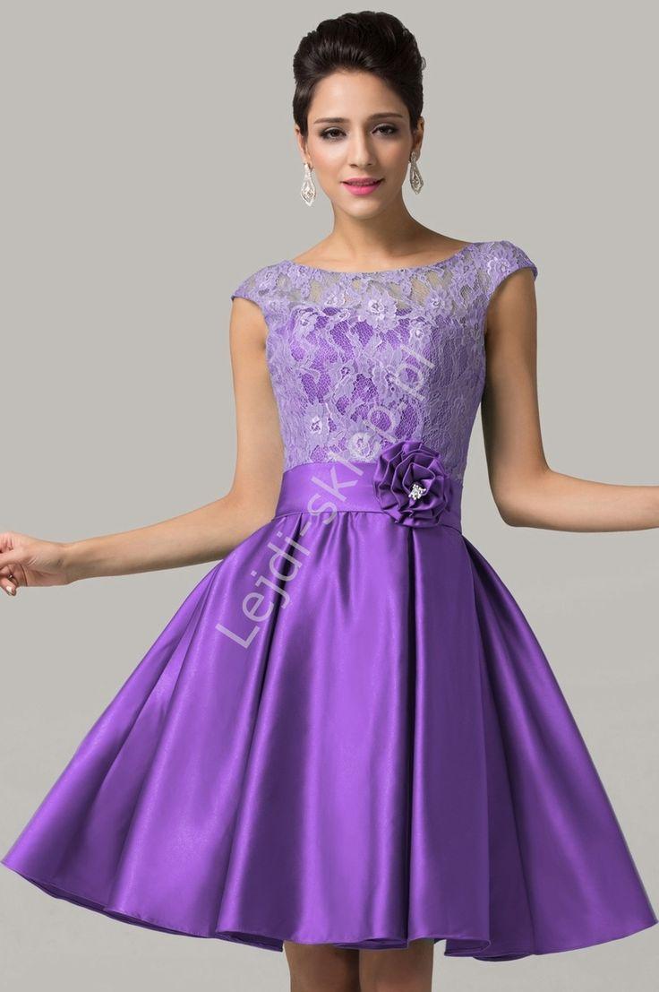 Rozkloszowana sukienka z koronką, fioletowa | fioletowe sukienki