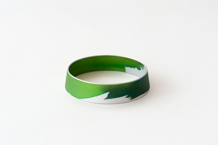 www.joannacampbell.co.nz - painted 'push up' bangle made by Joanna Campbell
