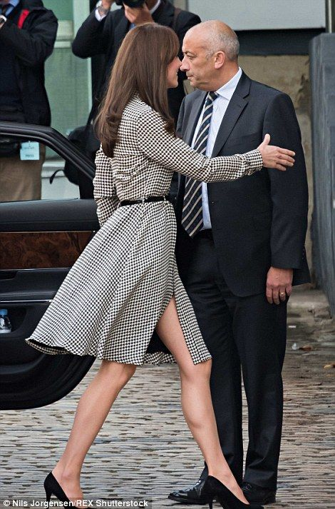 Kate Middleton in a Ralph Lauren dress to resume royal duties after Princess Charlotte's birth   Daily Mail Online