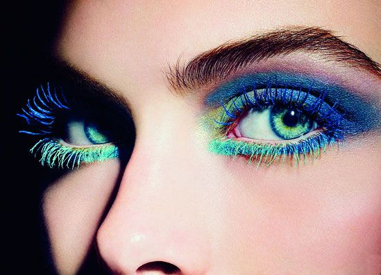L'Été Papillon Chanel = parts tantalizing teal and creative mascara colors