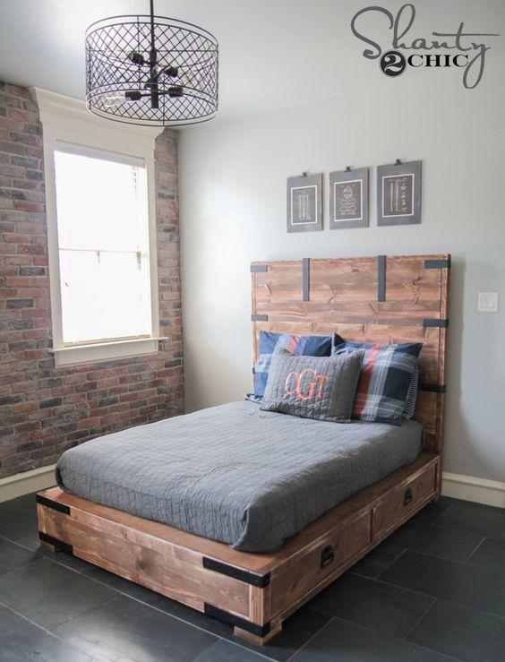 Кровать с выдвижными ящиками в стиле лофт.  (спальня,дизайн спальни,интерьер спальни,мебель,интерьер,дизайн интерьера,хранение,гардероб,шкаф,комод) .