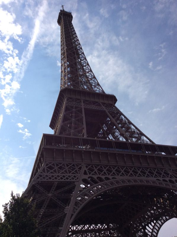 Facebook Post - Paris – Canva
