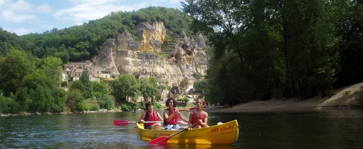 canoeing down the river dordogne - great fun & gorgeous backdrops!