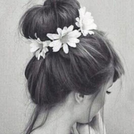 flower headband + sock bun= Pure beauty!!