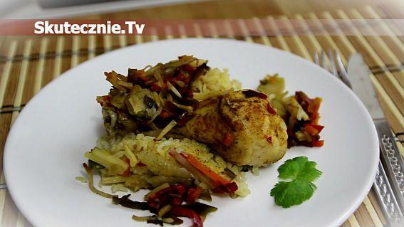 Zapiekany kurczak na ryżu z warzywami