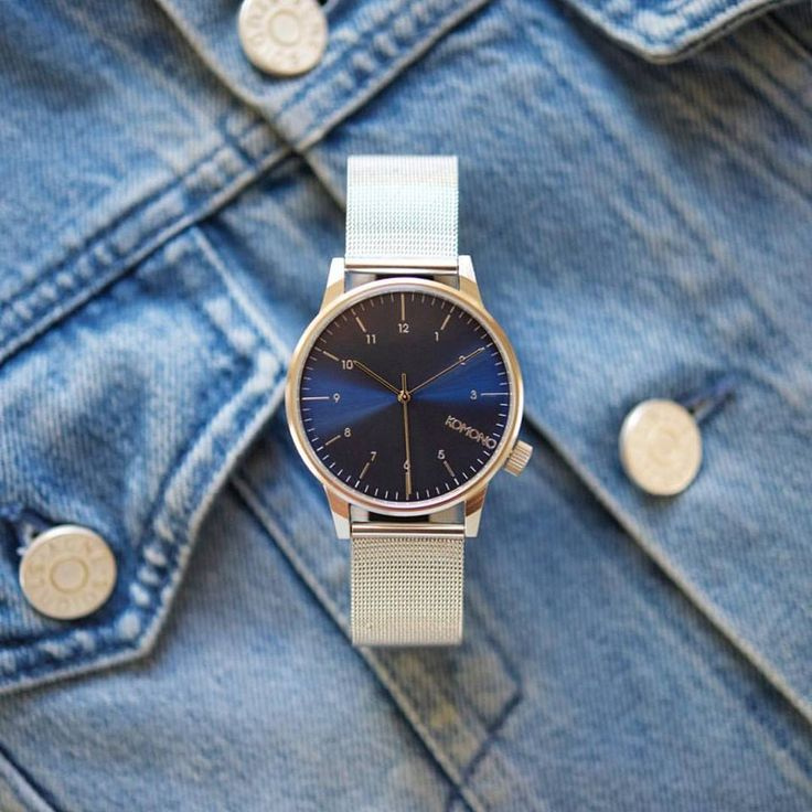 Metal and all blue Komono Winston watch Wear it with jeans for the perfect match