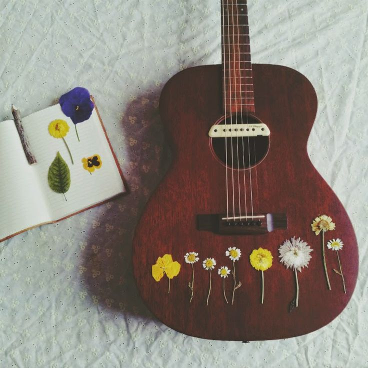 Pressed flower ukulele at Amy Flying A Kite.