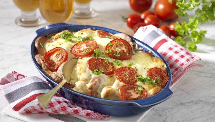 Blomkål och krämig ostsås blir ett toppengott sällskap till falukorven. Gratinera och njut!