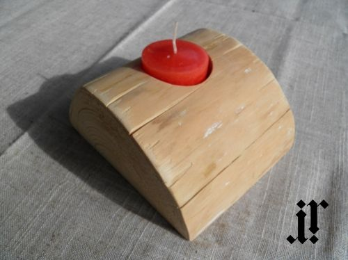 Wooden candle holder for 1 tea light candle