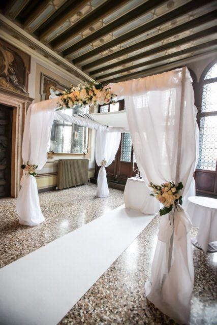 Jewish Wedding in Venice - Chuppah decoration, Palazzo Zeno. Michela Zucchini photographer