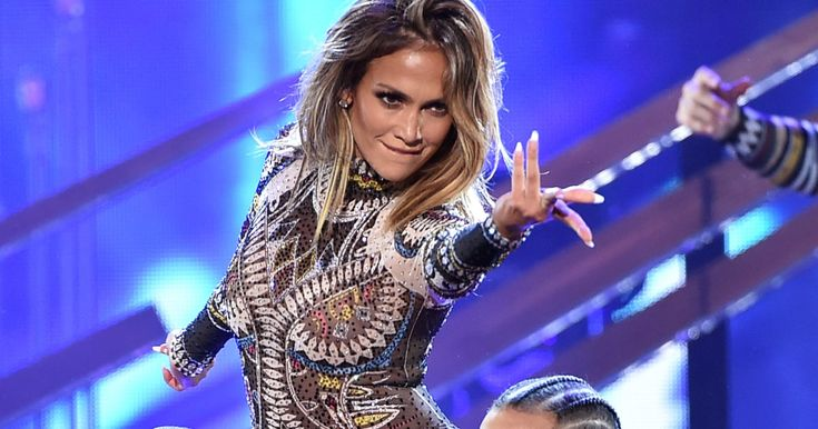 Jennifer Lopez opened the 2015 AMAs with a dance medley to the year's biggest hits, including Taylor Swift, Nicki Minaj, the Weeknd and Ed Sheeran.