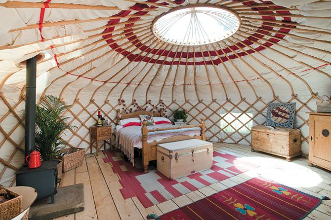 Rose Farm Studio. A Yurt bedroom off the conservatory!