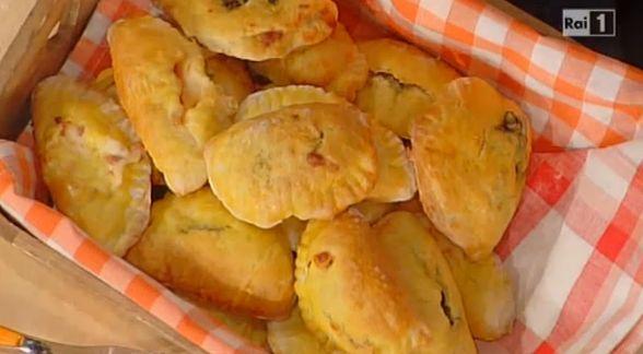 La ricetta dei calzoncelli ripieni di Anna Moroni