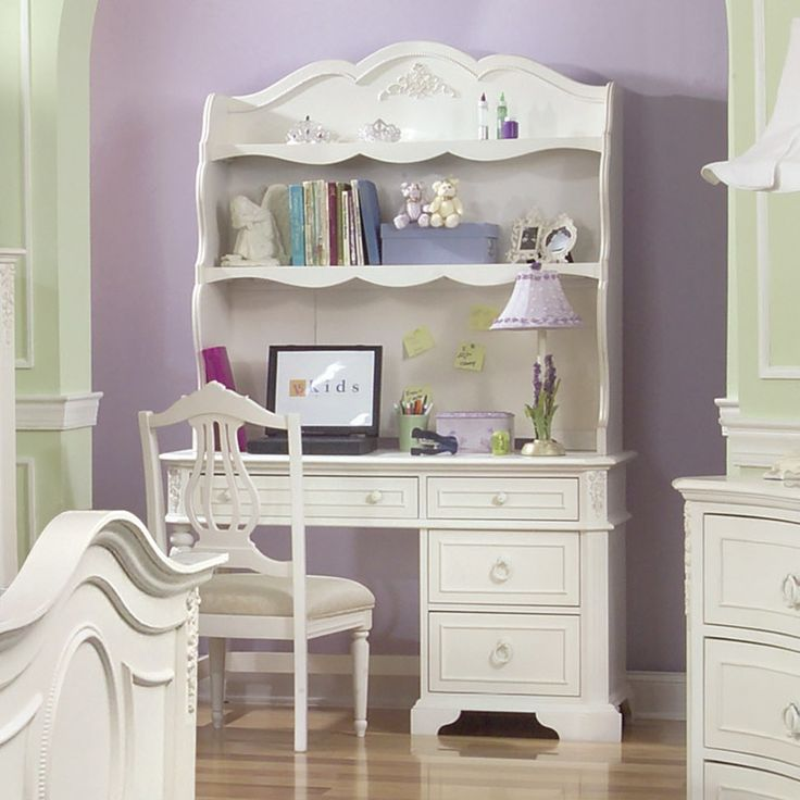 Such a pretty desk for a girl 39 s room decor and more - Desks for small rooms ...