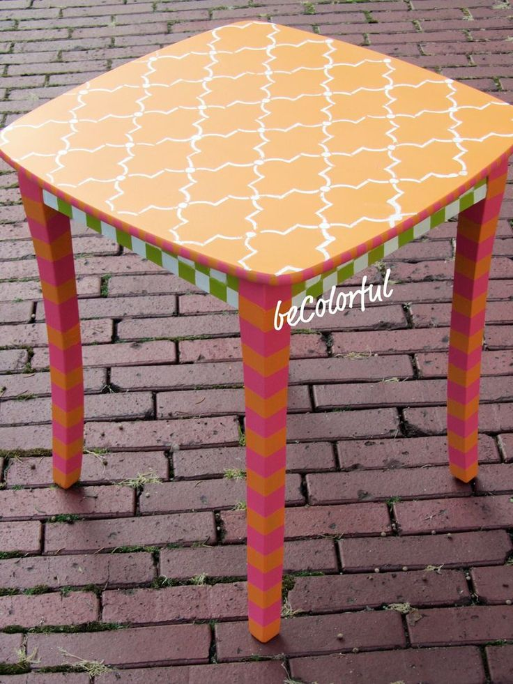 #paintedDiamonds Design Painting, Side Tables, Painting Furniture, Diamonds Pattern, Outdoor Decor, Orange Tables, Accent Tables, Furniture Ideas, Furniture Painting