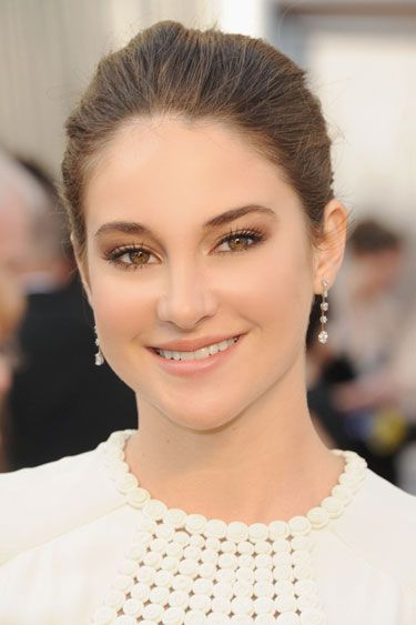 Shailene Woodley's Smokey Chocolate Eye - look from the 2012 Oscars