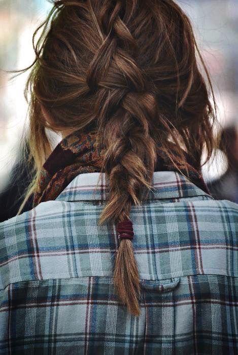 pin von moment's auf frauen | pferdeschwanz frisuren