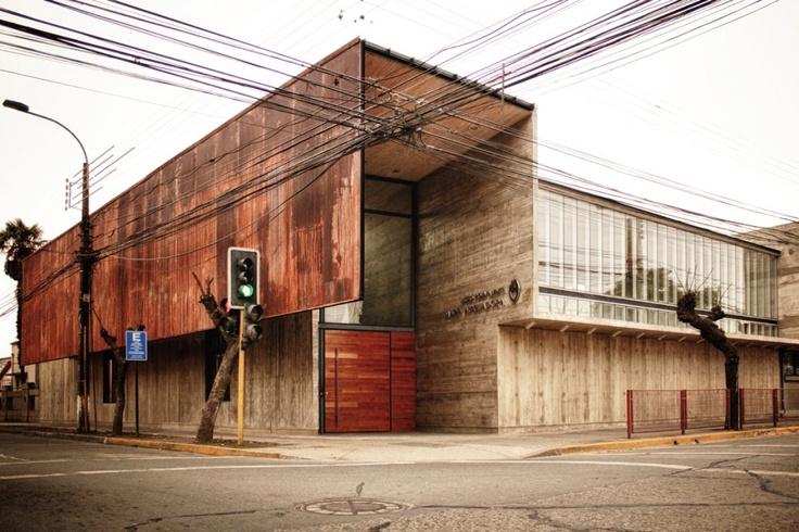 Brutalizm betonu. / Butalism of concrete.