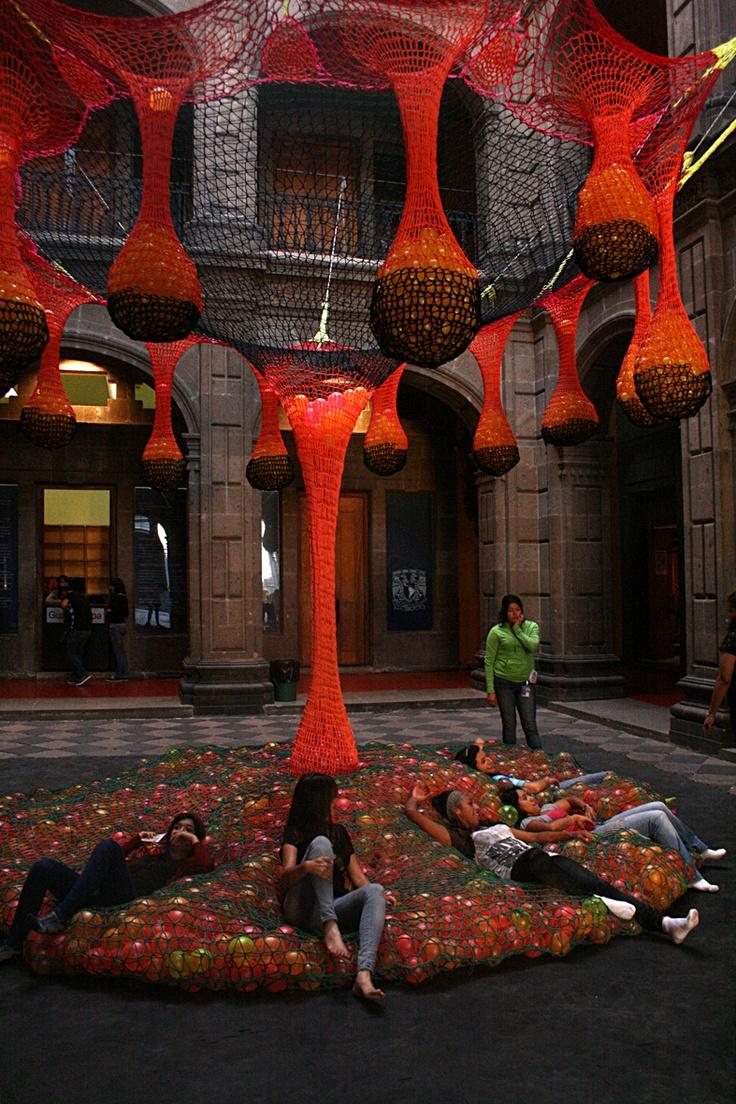 Ernesto Neto - http://www.casablock.com/2012/06/la-lengua-de-ernesto-obras-1987-2011.html