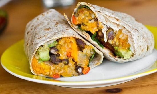 Butternut squash & black bean burritos.Beans Burritos, Vegan Butternut, Vegan Burritos, Black Beans, Squashes Burritos, Butternut Squashes, Eating, Mr. Beans, Delicious Food