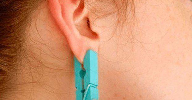 Elle place une pince à linge sur le lobe de son oreille. Voici pourquoi vous devriez le faire aussi!