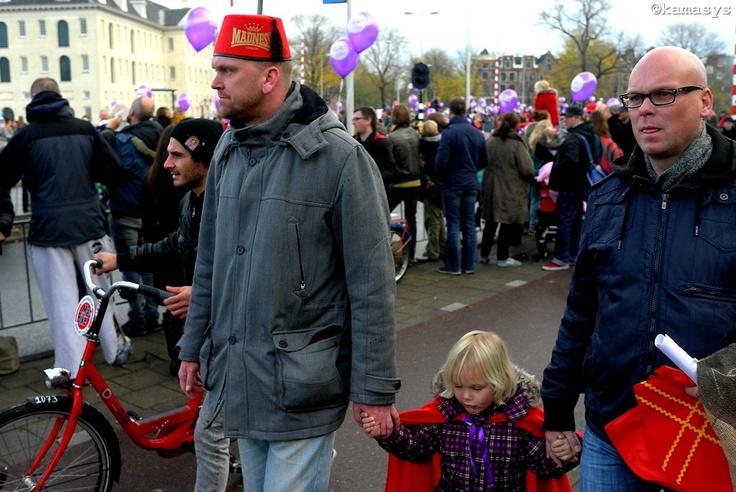 Meisje met rode cape / Chica con capa roja - Amsterdam NL