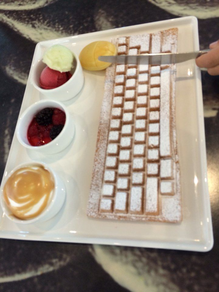 keyboard waffle!!! and mini 'mouse' bread.  @Alberto Toro computer museum, Jeju, South Korea