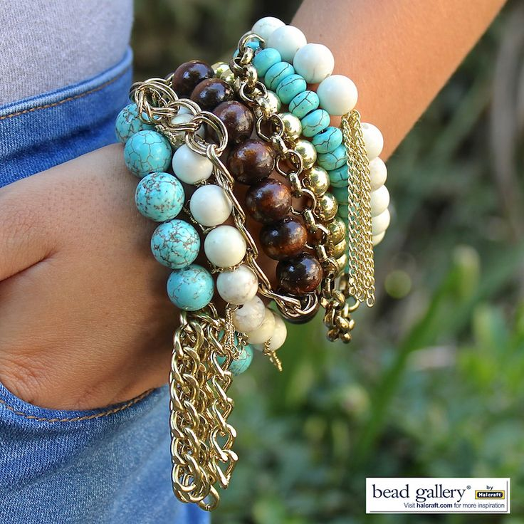 Welcome fall with a DIY In The Autumn bracelet set! Click for a link to complete instructions.