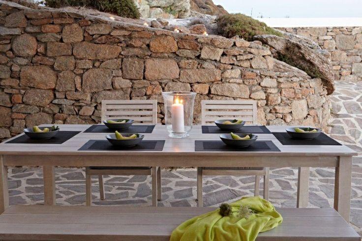 Outdoor dining of Gold Villa in Mykonos: http://instylevillas.net/property/gold-villa-mykonos/