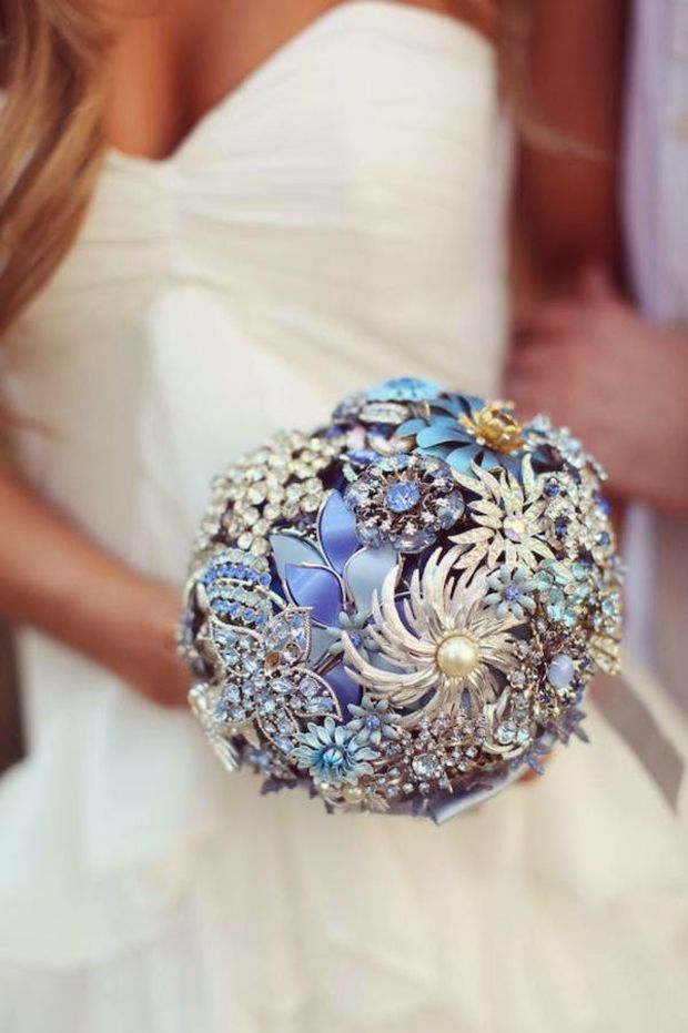something-old-and-something-blue-brooch-bouquet