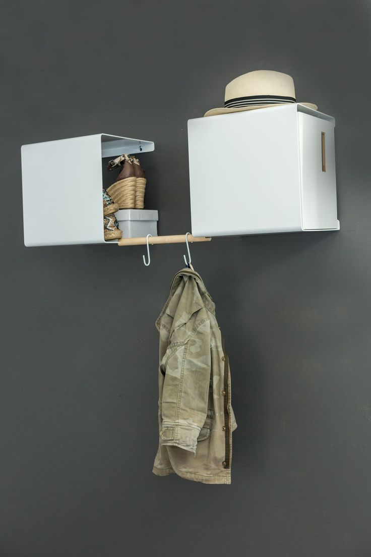 2 Showcase #0 and one Hangable make up a modern hallway solution