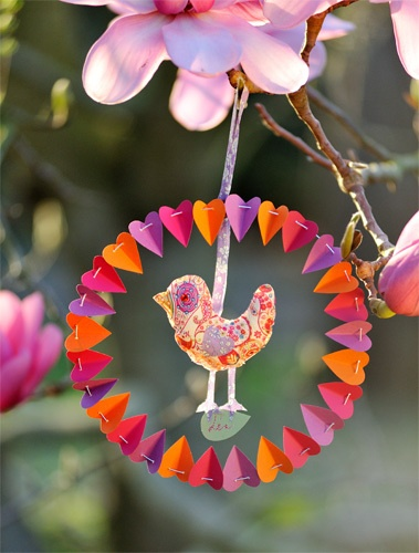 oiseau liberty rose - http://karinethiboult.over-blog.com/article-oiseau-liberty-fa-on-attrape-reve-tuto-110795779.html#