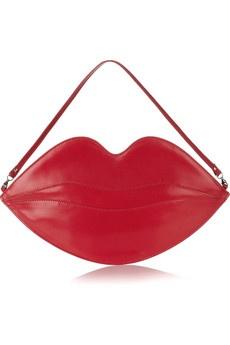 Que mania de usarem a minha imagem. Agora foi a designer Charlotte Olympia com esta Big Kiss Leather lips Clutch, está a vende-la por 395 €...não acho justo quero comissão