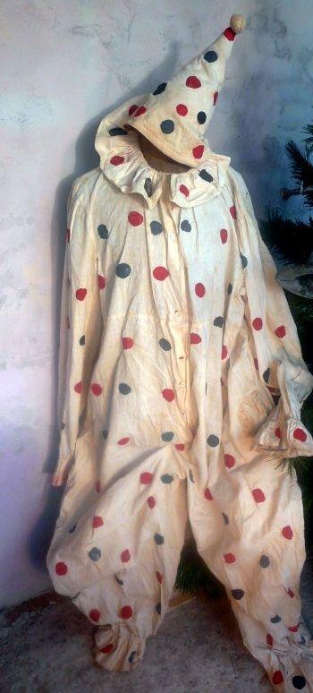 antique clown costume www.demerelbrocante.nl