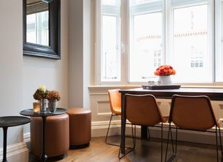 Apartment B - Dining area