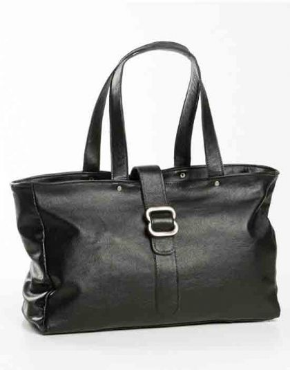Chic Thandana black leather handbag. Buy it from Wave2Africa - an online gift and decor boutique.