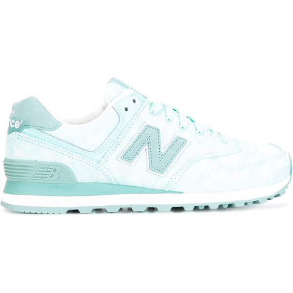 New Balance 574 sneakers ($91) ❤ liked on Polyvore featuring shoes, sneakers, green, new balance, new balance footwear, green shoes, new balance trainers and green sneakers