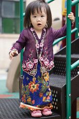 Little Nyonya (benhosg) Tags: girl outfit child outdoor kebaya peranakan