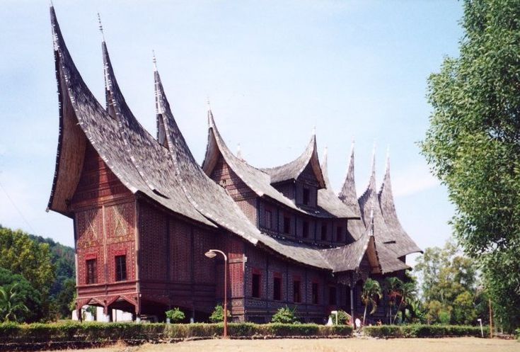 Google Image Result for http://upload.wikimedia.org/wikipedia/commons/5/5d/Pagaruyung.jpg