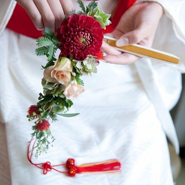 末広ブーケ。 流れるようなラインのブーケ。 #ブーケ#bouquet #wedding #weddingphot…
