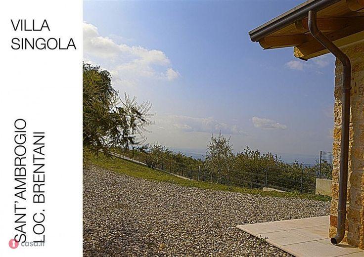Foto 1 di 10 - Villa in vendita a Sant'Ambrogio Di Valpolicella - 32201507 - Casa.it