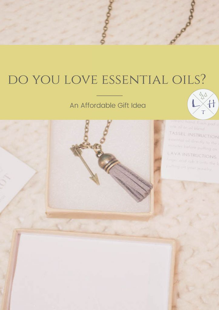 If you are an essential oil lover or know someone who loves them then this is the perfect gift. They are super stylish and so useful. via @lavenderhytta